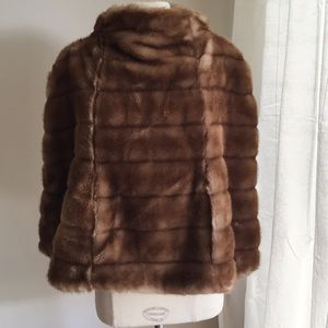 Luxurious faux fur Tracy Reese capelet